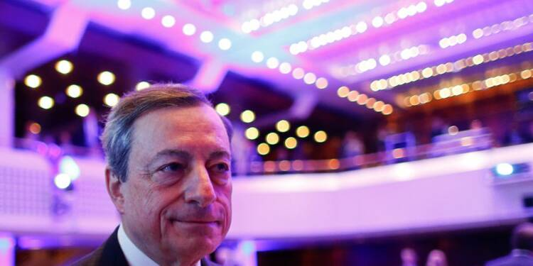 Zone euro: Le ralentissement pas suffisant pour changer de cap, dit Draghi
