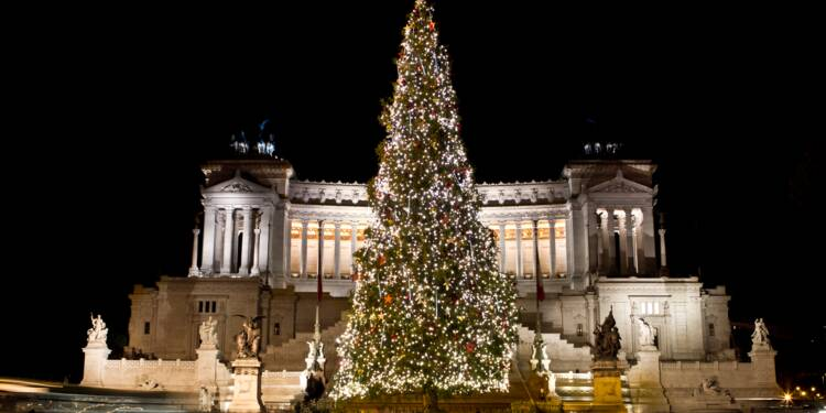 Image Arbre De Noel netflix fait polémique avec un arbre de noël sponsorisé - capital.fr
