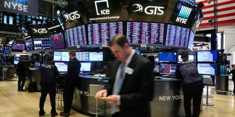 Wall Street grimpe, le commerce en ligne et le pétrole en soutien