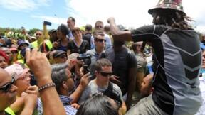 """""""Gilets jaunes"""": à La Réunion, la ministre des Outre-mer tente d'apaiser les tensions"""