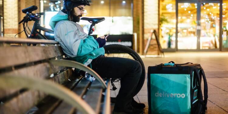 Uber, Deliveroo… Chauffeurs et livreurs pourraient désormais être requalifiés en salariés (et ça va plaire à l'Urssaf)