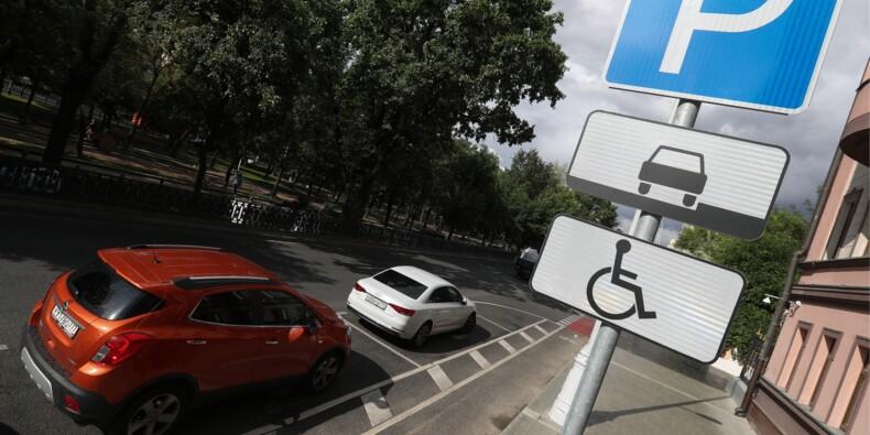 """Stationnement : à Paris, la fraude aux fausses cartes """"handicapé"""" prend de l'ampleur"""