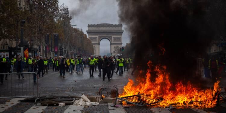 Débat - Gilets jaunes : fallait-il interdire les Champs-Elysées aux manifestants ?