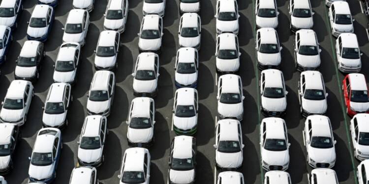Immatriculations de voitures neuves en baisse de 4,66% en novembre, selon le CCFA
