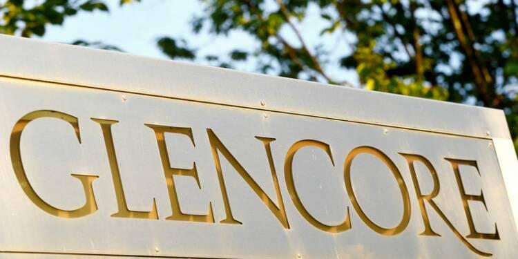 Glencore abaisse la prévision de bénéfice de sa division négoce