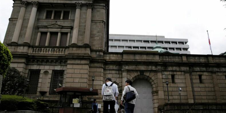 Kuroda (BoJ) écarte toute hausse de taux à court terme