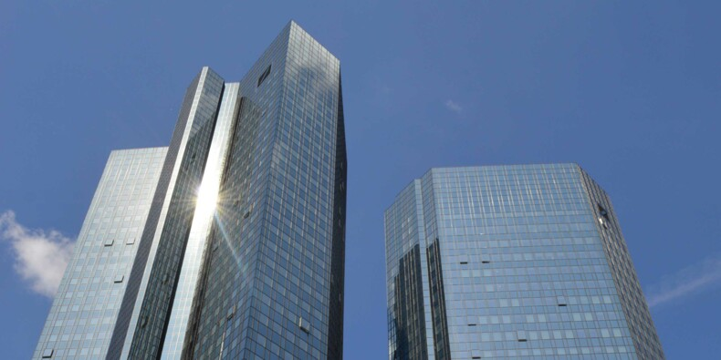 Deutsche Bank accuse une perte colossale et chute en Bourse