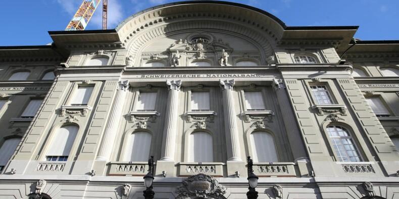 Statu quo de la BNS qui abaisse ses prévisions d'inflation