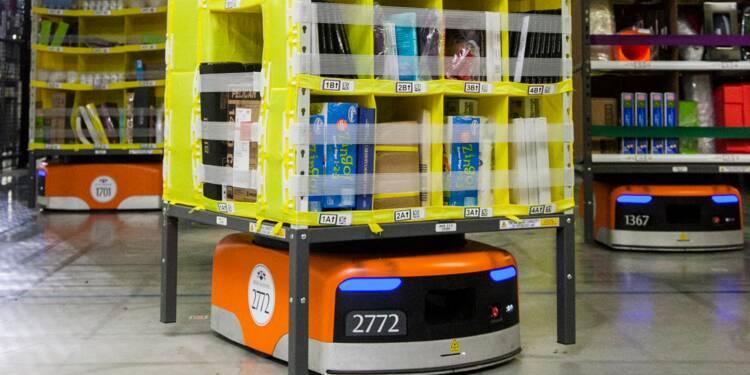 Dans les entrepôts d'Amazon, les robots de la la société Kiva circulent entre des rayons gigantesques.