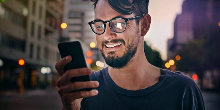 Nouvel An : les opérateurs de téléphonie préparent l'explosion du nombre de SMS