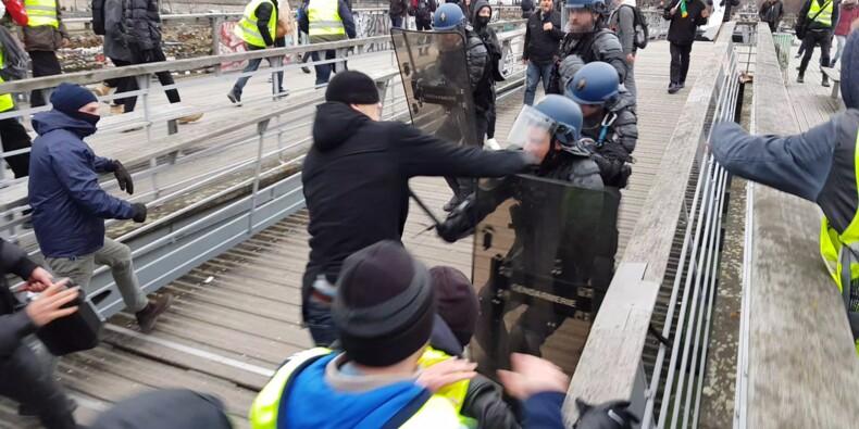 Gendarmes agressés: la cagnotte pour l'ex-boxeur fermée face à la polémique
