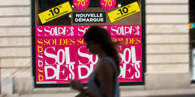Les petits commerçants veulent mettre fin aux soldes
