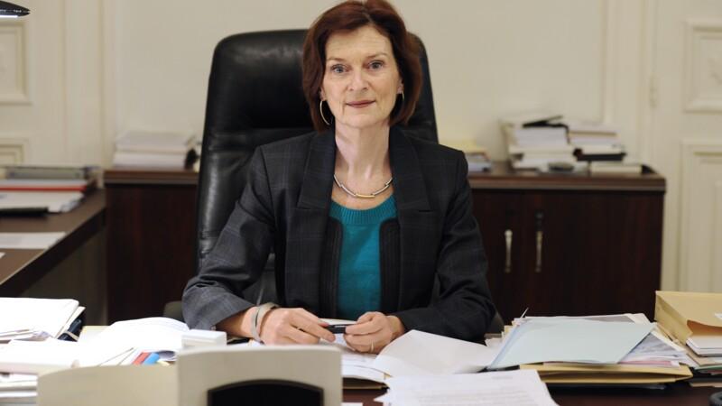 Soupçonnée d'avoir cumulé des rémunérations, Mireille Faugère retire sa candidature au Conseil de la magistrature
