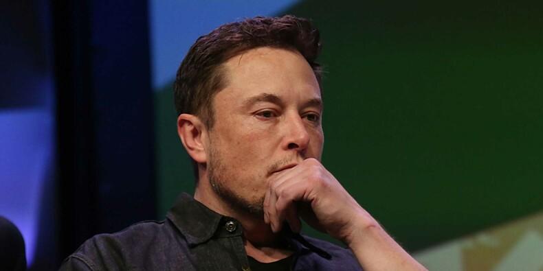 Tesla va sabrer dans ses effectifs, l'action plonge
