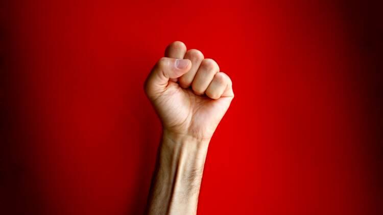 Marche républicaine : les Foulards rouges se divisent sur l'opportunité d'y aller