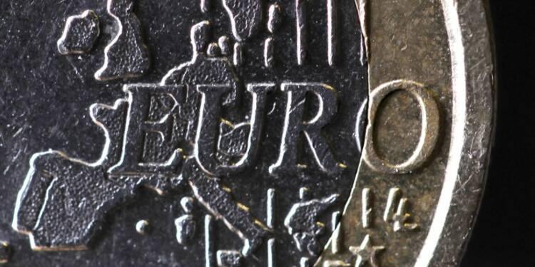 La croissance et l'inflation vont ralentir, selon une enquête BCE