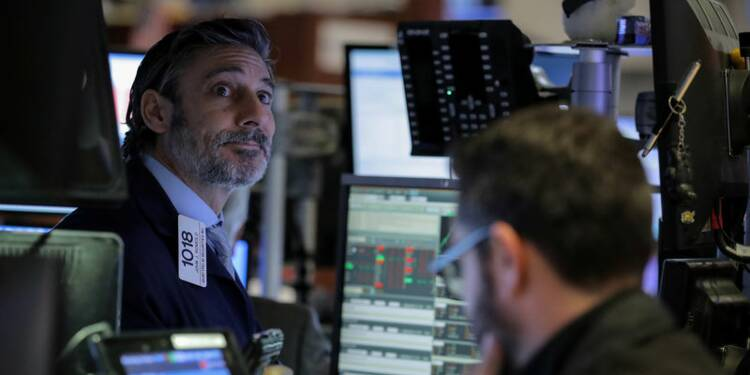 "Wall Street salue la fin du ""shutdown"", les ""techs"" grimpent"