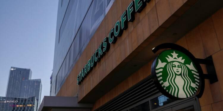 Starbucks a réussi son trimestre de Noël, le titre monte