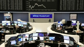 Les Bourses européennes montent mais l'automobile pèse