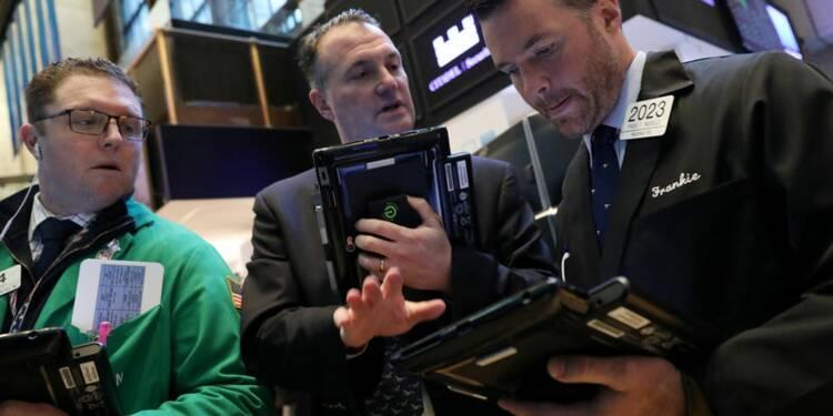 Wall Street ouvre dans le désordre, Facebook soutient le Nasdaq