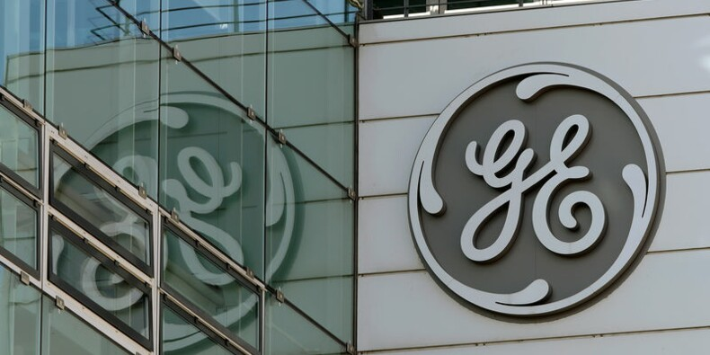 GE dépasse les attentes avec les ventes, le titre bondit