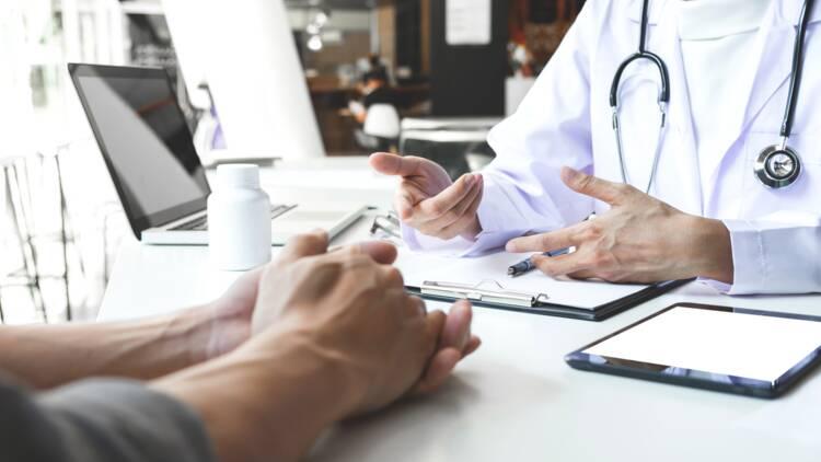 """La """"vente"""" de rendez-vous médicaux prioritaires indigne les médecins"""