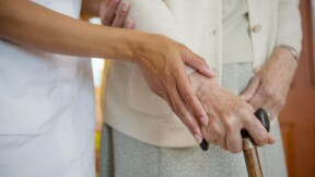 Assurance obsèques : elle sera bientôt plus facile à souscrire pour protéger les personnes dépendantes