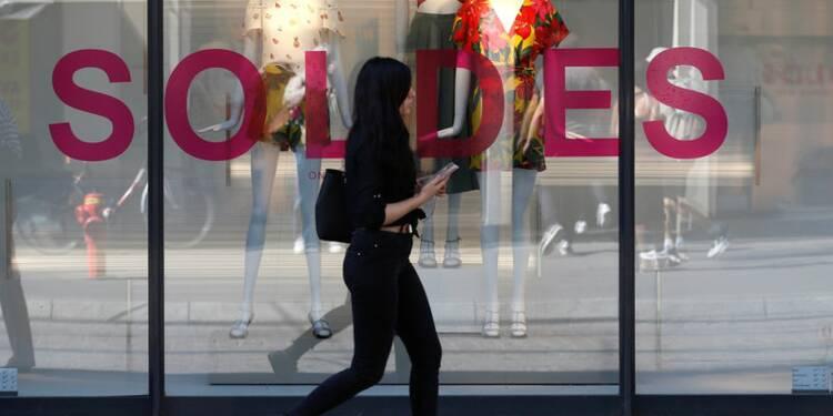 Plus d'un vêtement sur deux acheté à prix cassé en France