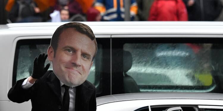 La dernière fake news des gilets jaunes : Macron est un clone !