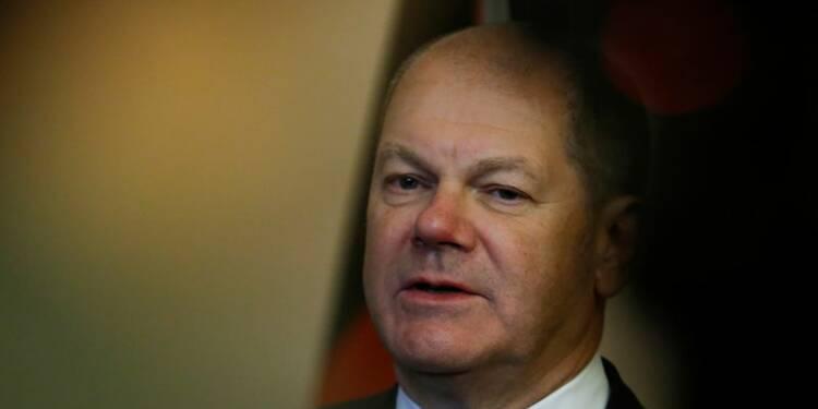 """Une fusion D.Bank-Commerzbank, pure """"spéculation"""", dit un ministre"""