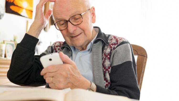 Services pour retraités sur mobile ou Internet : comment faire le bon choix ?