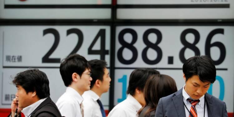 La Nikkei à Tokyo finit pratiquement inchangée jeudi