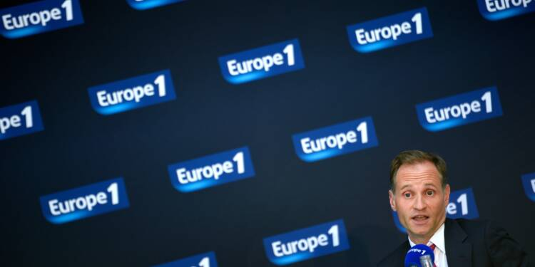 Europe 1 contraint de faire un gros chèque à Fabien Namias