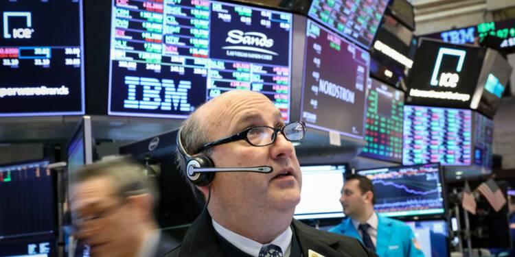 Wall St cède aux prises de profits après des indicateurs mitigés
