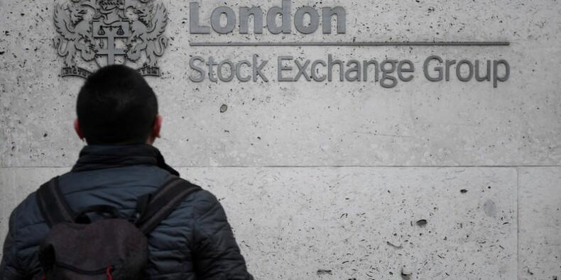 Wall Street attendue en repli, l'Europe reste dans le rouge