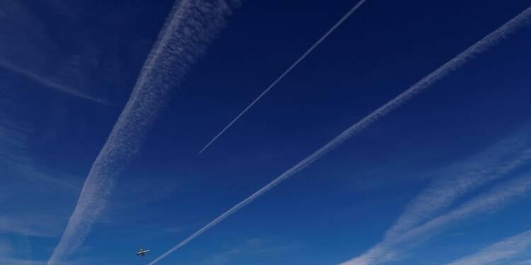 Le secteur aérien fait peu contre le changement climatique, selon une étude
