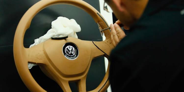 BMW, Daimler et Volkswagen dans le collimateur de l'UE, rapporte Handelsblatt