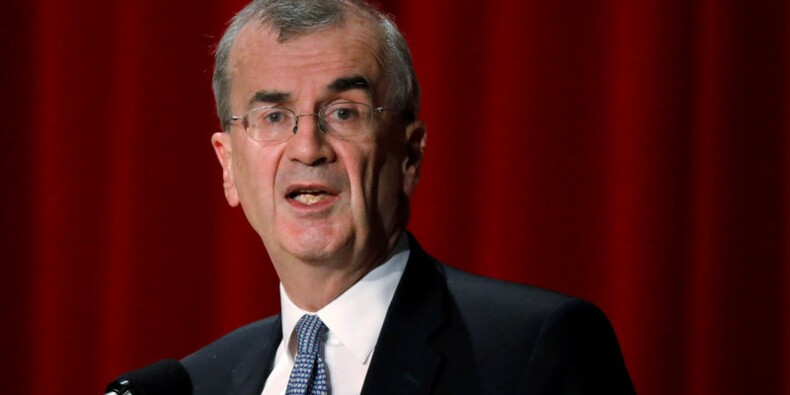 """Croissance plus """"résiliente"""" en France que dans la zone euro, dit Villeroy"""
