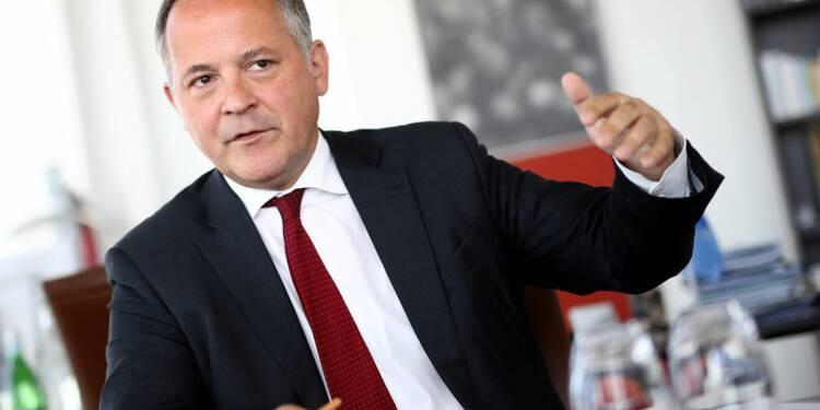 La BCE ajuste sa politique, le cap reste le même, dit Coeuré