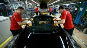 La production industrielle rebondit plus que prévu