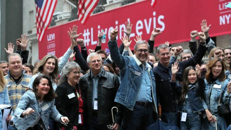 Levi Strauss : l'action du fabricant de jeans explose pour ses débuts en Bourse