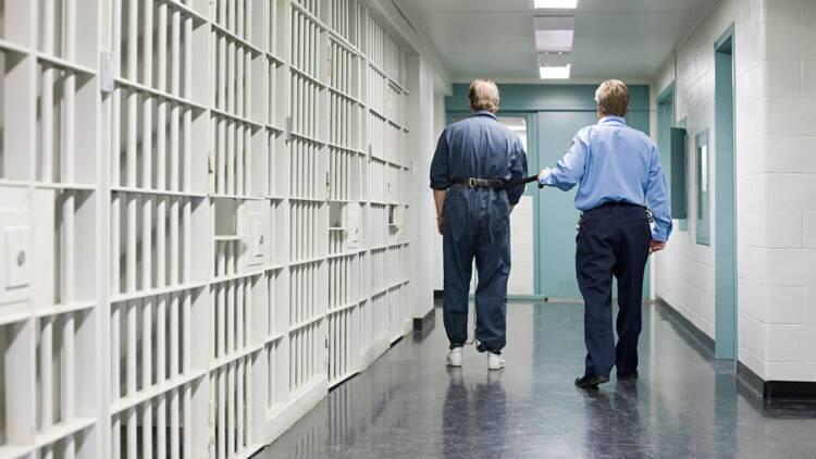 Des détenus lancent une cagnotte pour un surveillant qui a perdu sa femme