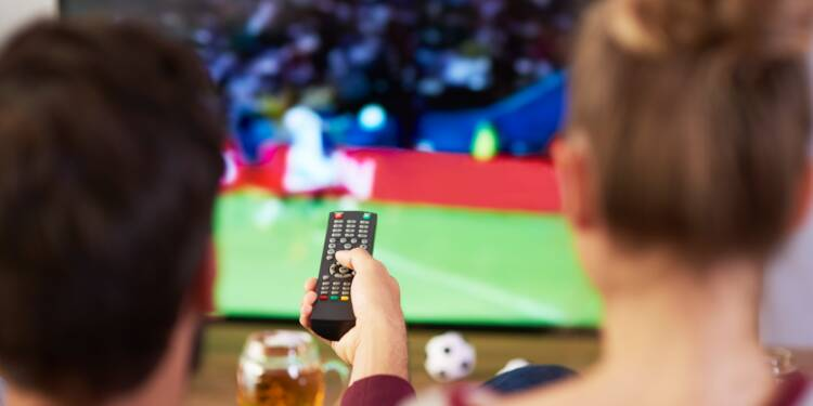 SFR et BFM veulent empêcher les abonnés Free de recevoir leurs chaînes gratuitement