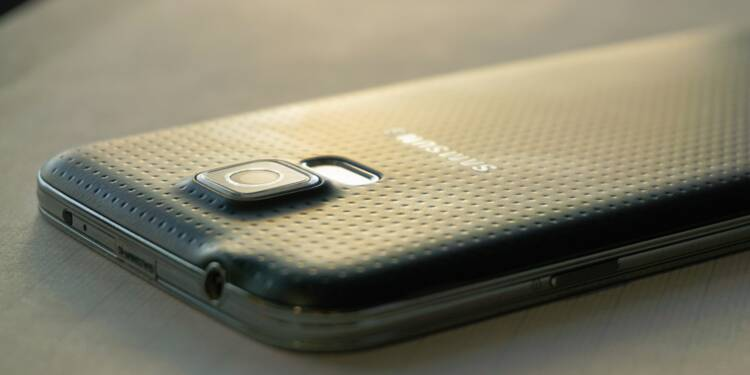 Samsung : le géant des smartphones lance un profit warning