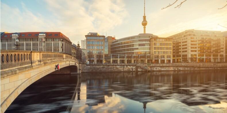 Des milliers de manifestants contre le montant des loyers à Berlin
