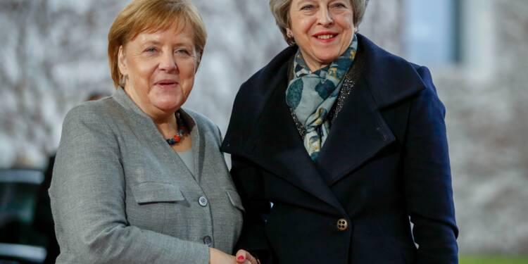 Brexit : May à Berlin pour décrocher le soutien de Merkel sur un report