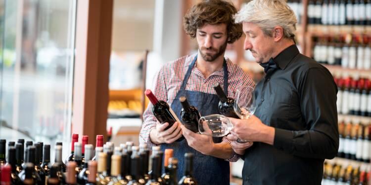 Par crainte d'un Brexit dur, les Anglais font leurs provisions de vin à Calais