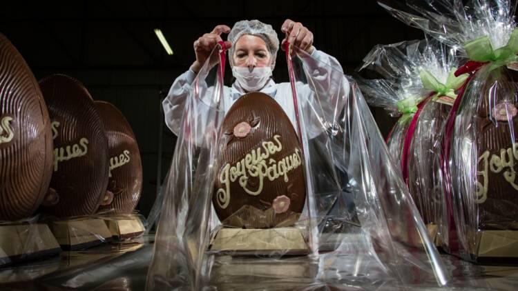Chocolat : à Pâques, des tonnes d'oeufs sortent de cette usine