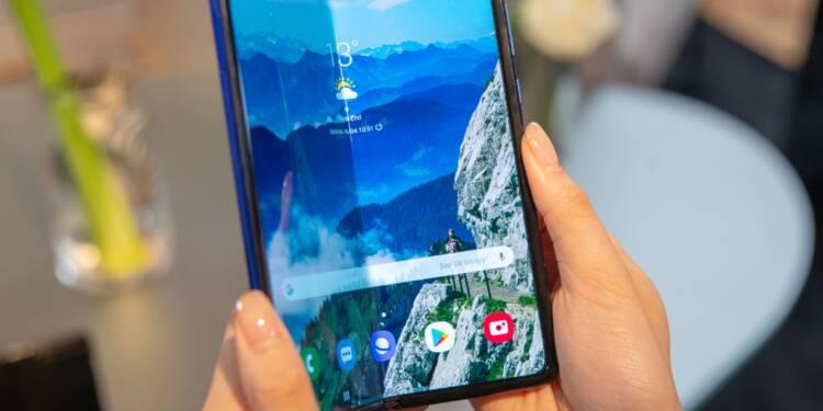 Ecran noir, dégradé…de drôles d'anomalies inquiètent sur le nouveau smartphone pliable Samsung