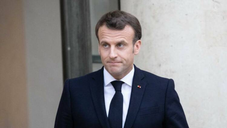 Emmanuel Macron piégé par des humoristes russes ?